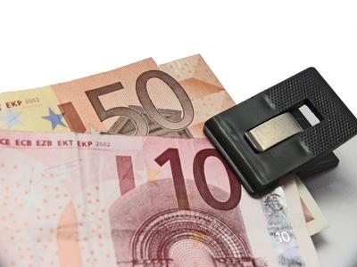 Euro klammern ?