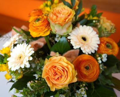 Blumenstrauss - orange und weiss