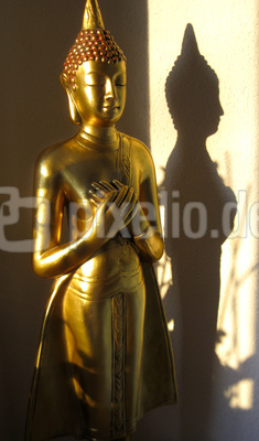Buddha mit Schatten