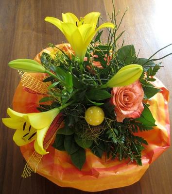 Österlicher Blumenstrauß