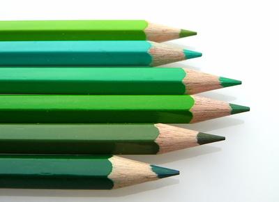Grüne Buntstifte