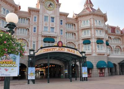 Haupteingang von Disneyland Paris