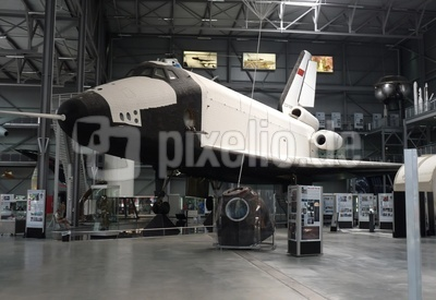 Raumgleiter Buran 1