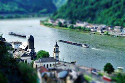 Begegnung auf dem Rhein