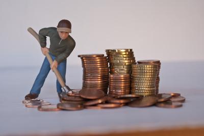 Geld schaufeln (scheffeln)