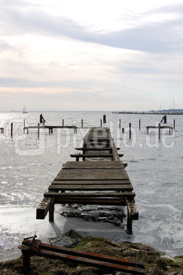 Maroder Bootssteg an der Ostsee