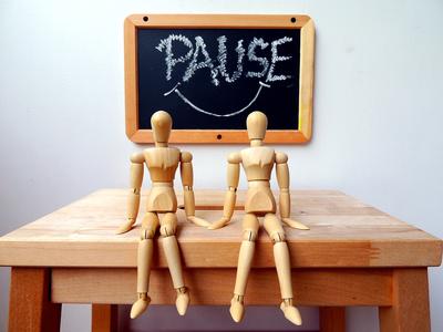 """"""" PAUSE """""""