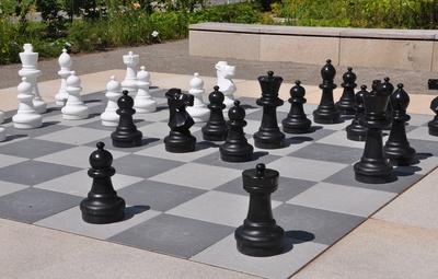 Schachspiel im Freien