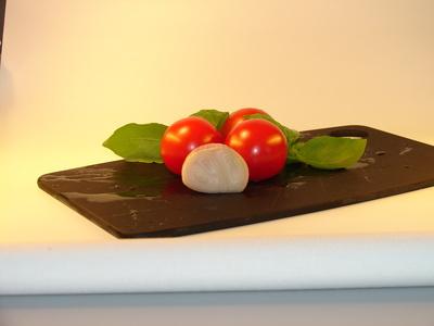 Tomaten, Basilikum, Zwiebeln