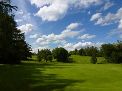 Golfplatz in Sonntagslaune