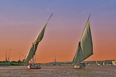 Segelboote auf dem Nil