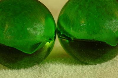 grüne Murmeln