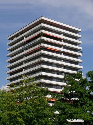 Mehrfamilienwohnhaus Hochhaus