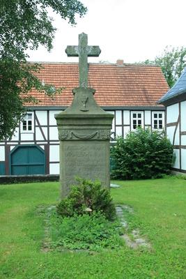Hoinkhausen, Grabmal von Melchior Ludolf Herold