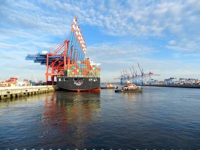 Alltag im Containerhafen