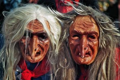masken beim umzug in Bad Cannstatt
