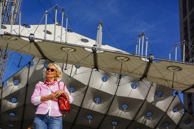 Seniorin in Paris - La Defense_3