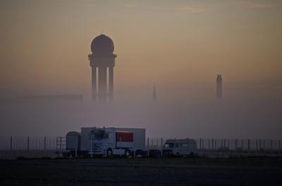 Tempelhofer Flugfeld im Morgengrauen
