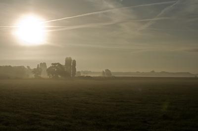 Sonnenaufgang über dem Tempelhofer Flugfeld