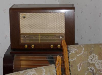 Bett-Radio