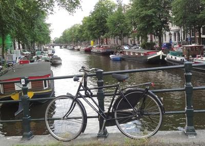 Amsterdam, Gracht mit Hausbooten
