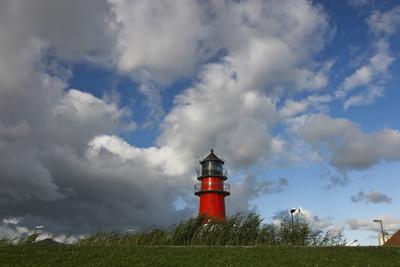 Leuchtturm mit Wolken