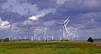 Windpark im Sturm
