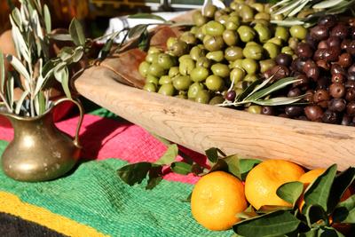 Oliven auf dem Bauernmarkt