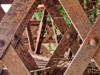 rostige Metal Bridge