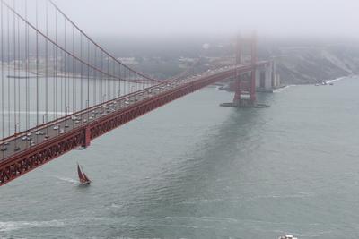 Golden Gate mit Segelboot