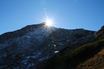 Bergwelt in Licht und Schatten 03