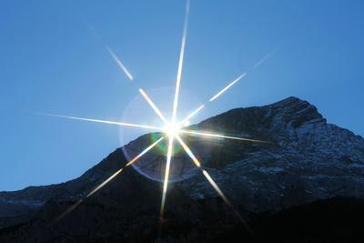 Bergwelt in Licht und Schatten 07