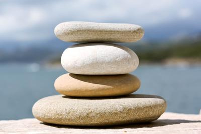 Energie der ovalen Steine
