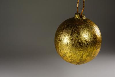 Goldene Weihnachtskugel 2