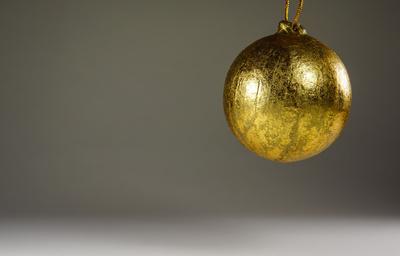 Goldene Weihnachtskugel 3