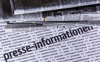 Presseinformationen mit Zeitung 3