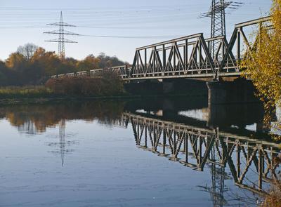 Alte Eisenbahnbrücke . . .