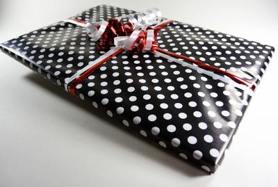Geschenk weisse Punkte
