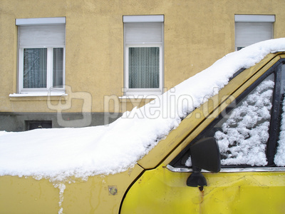 Gelb_Haus_Auto