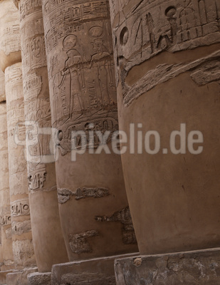Ägyptischer Tempel, Säulen