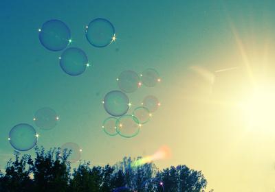 Seifenblasen in der Sonne
