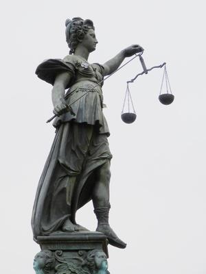 Justitia (Frankfurt) 2
