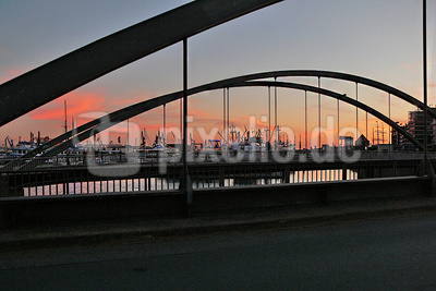 Abendrot am Hafen