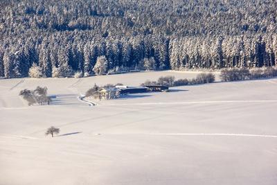Winterlandschaft mit Bauernhof