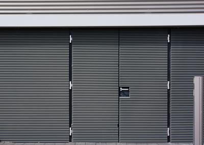 Fabrik-Zugang - moderne Gestaltung