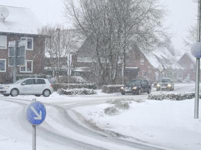 Im Schneetreiben am Kreisel