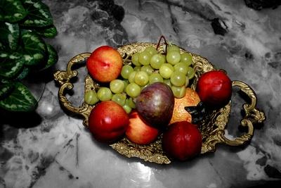 Früchte auf Marmor