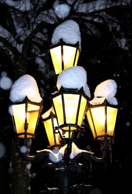 Laternen mit Wintermütze