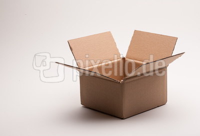 Paket offen, leer