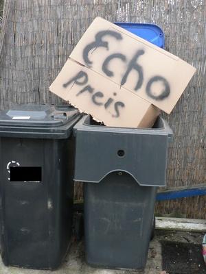 Echo-Preis in die Mülltonne